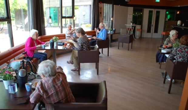 <p>De koffieochtend van de Huiskamer van Odijk in het Dorpshuis in juni 2020</p>