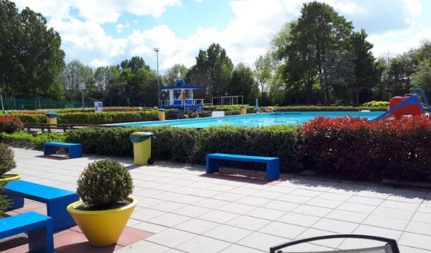 Het zwembad is klaar voor het nieuwe seizoen.