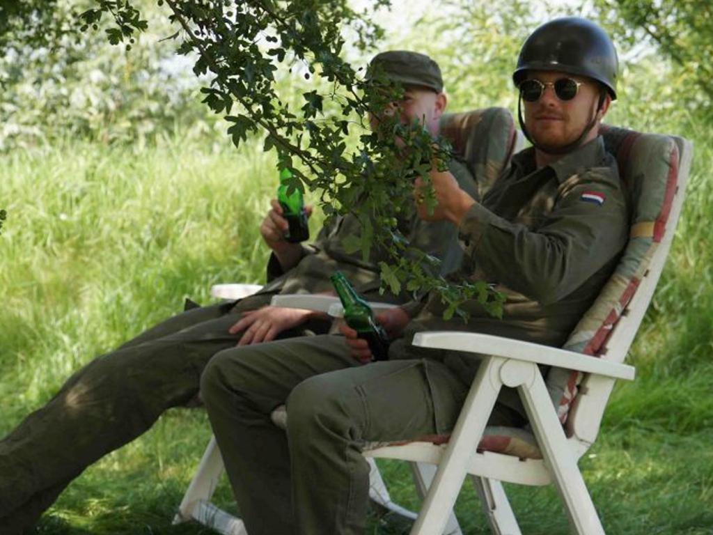 Zijn dat echte soldaten of horen ze bij de vossenjacht? IC Tour de Schalkwijk © BDU media