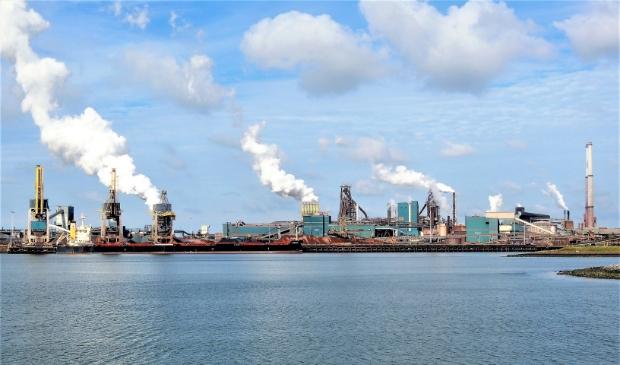 <p>IJmuiden onder de rook van Tata Steel.</p>