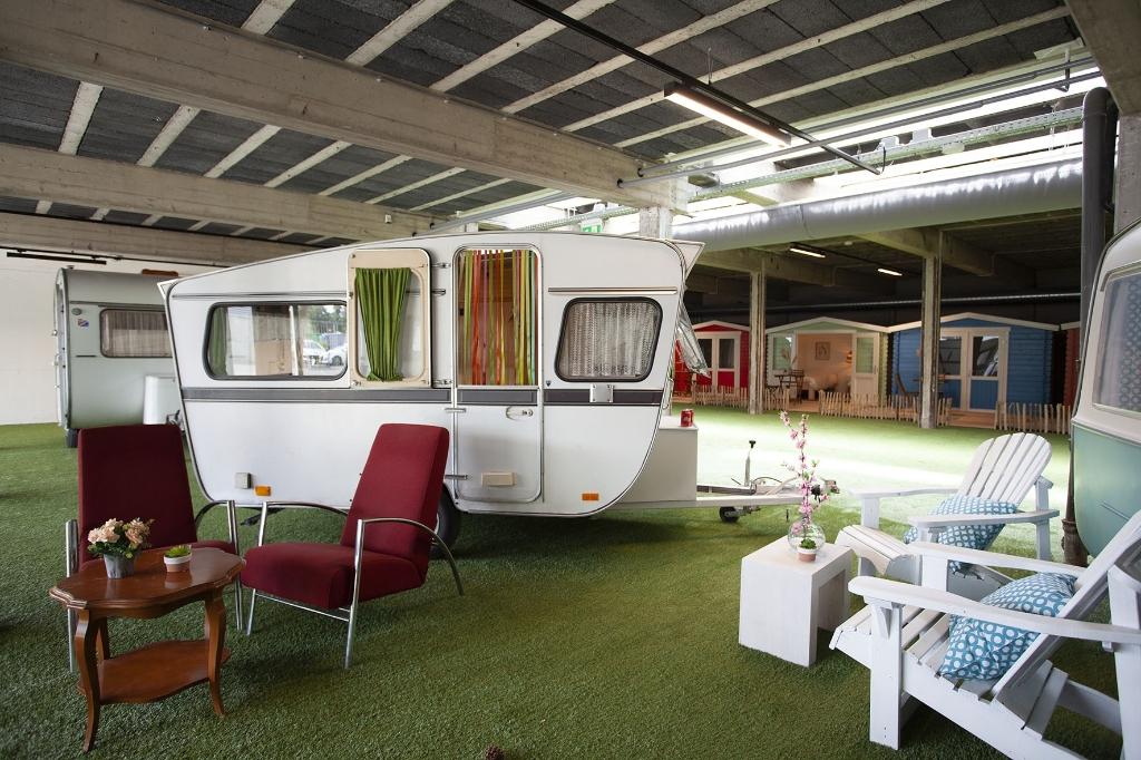 Outside Inn indoor camping © BDU media
