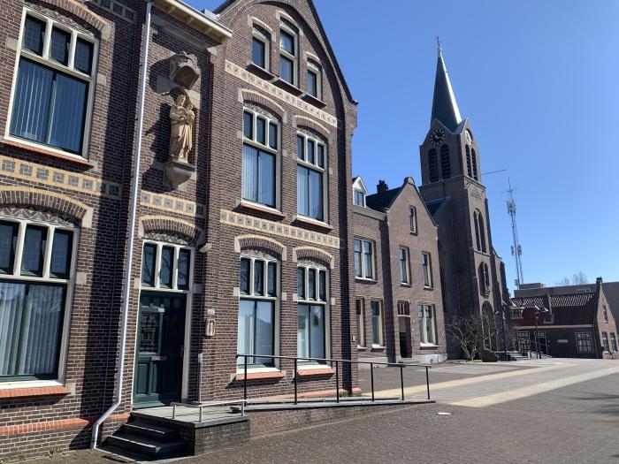 Parochiehuis en Joannes de Doper kerk in Hoofddorp Patrick Gunther © BDU media