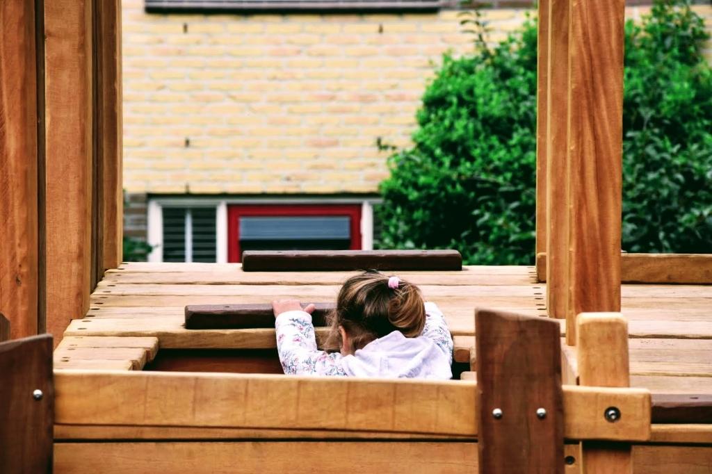 Kinderen weten wel raad met een leuk speeltoestel. Joop Touw © BDU media