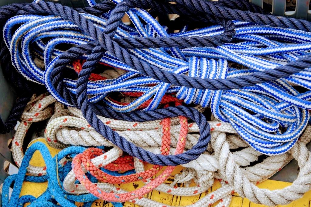 Wie gaat varen, krijgt te maken met touwen en knopen.  Joop Touw © BDU media