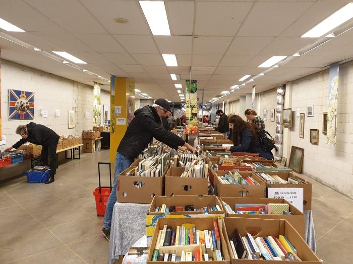Bennekom liep 5 en 6 juni uit voor de eerste pop-up boekenmarkt.