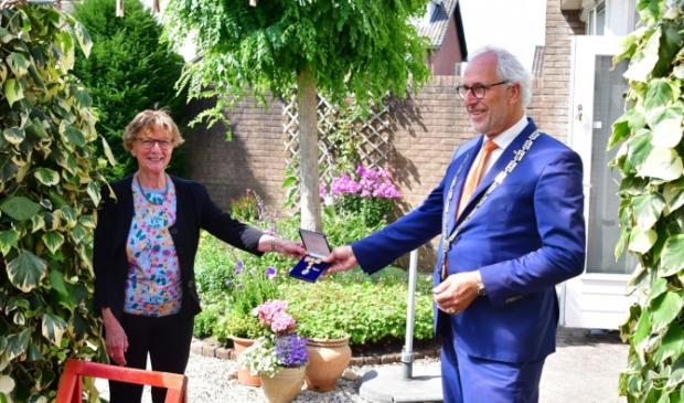 Mevrouw Post Kees van den Heuvel © BDU Media
