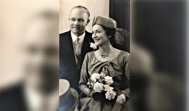Trouwfoto van Ben en Nora van Blommestein.