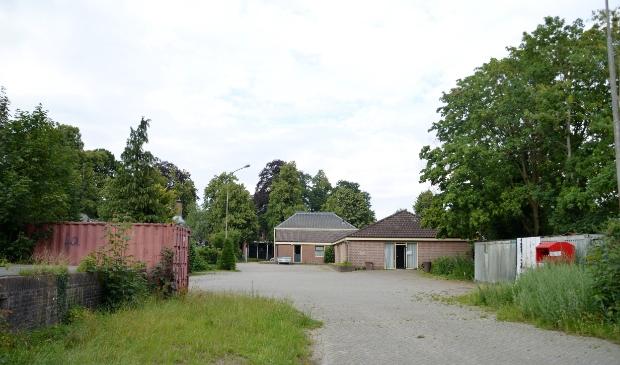 <p>Het achterterrein van Euterpe aan de Dorpsstraat in Lunteren.</p>