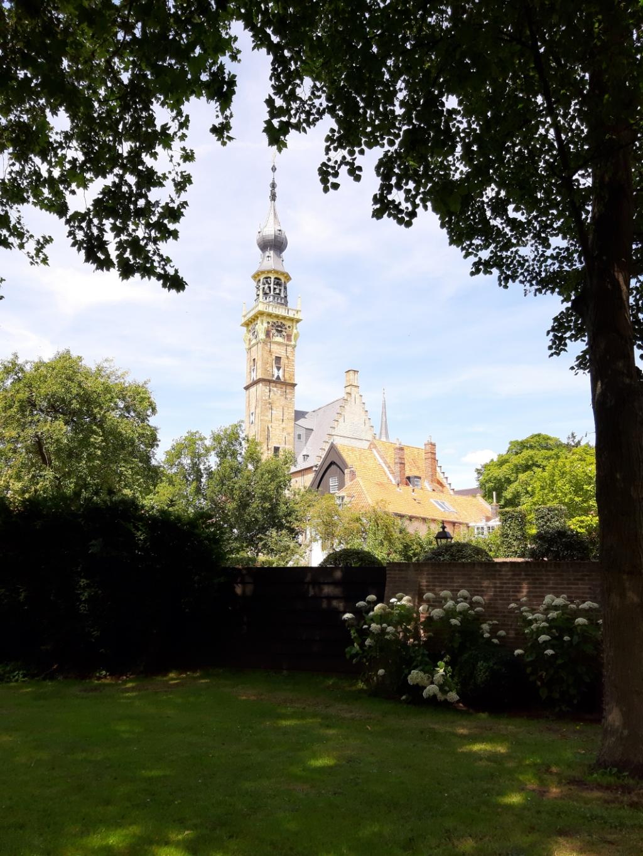 Mijn foto is gemaakt in Veere, in het oude centrum achter de kerk. Op maandag 13 juli. Claudia Kingma  © BDU Media
