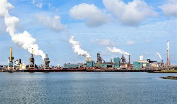 Volgens onderzoekers ging de afgelopen vijf jaar gemiddeld 8,3 miljard euro per jaar naar de fossiele industrie. Zoals naar de zware industrie als de hoogovens van staalbedrijf Tata Steel.
