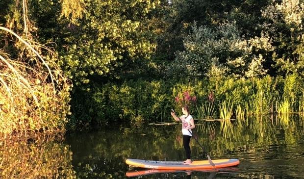 Men kan ook wekelijks meedoen met stand up paddle