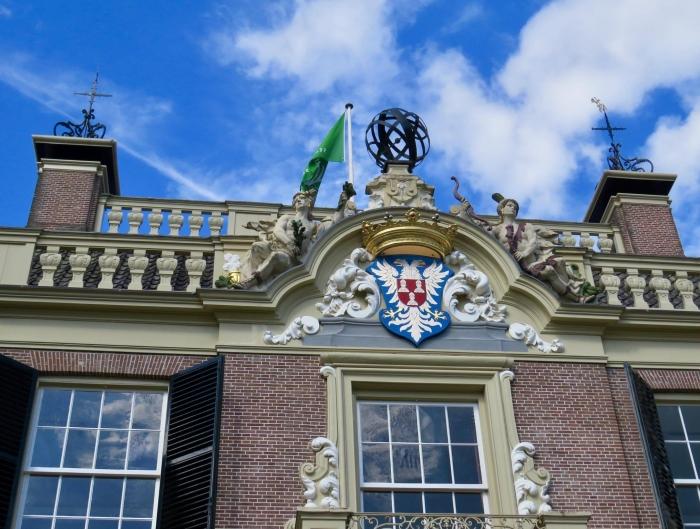 Wapen met Staatsbosbeheer-vlag Onno Wijchers © BDU media