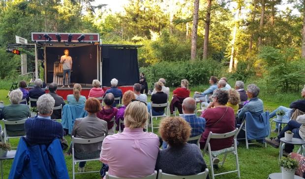 Thijs van de Meeberg speelde een stuk uit zijn nieuwe voorstelling 'Meer dan mogelijk'.