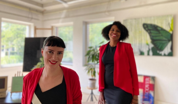 Jennifer Delano (voorgrond) en Sharon van Sprang: Elke ondernemer kan in principe succesvol media-aandacht aantrekken.