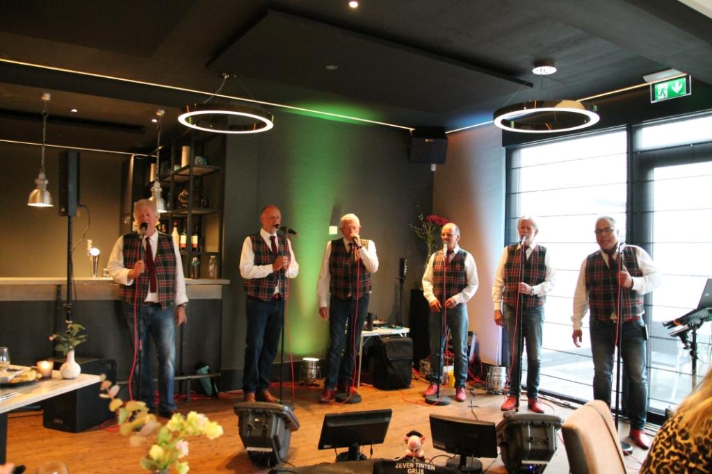 De mannen zongen onder andere pop, soul en rockmuziek. Hannie van de Veen © BDU media