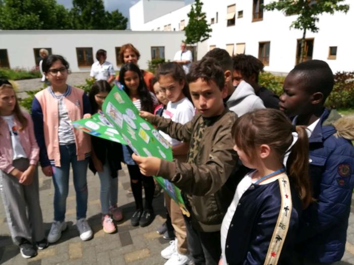 """""""Wij dragen ons steentje bij"""" Daltonschool de Poorter © BDU Media"""
