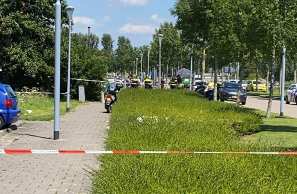 De omgeving rondom de Opaallaan is met linten afgezet. Ron van der Steeg © BDU media