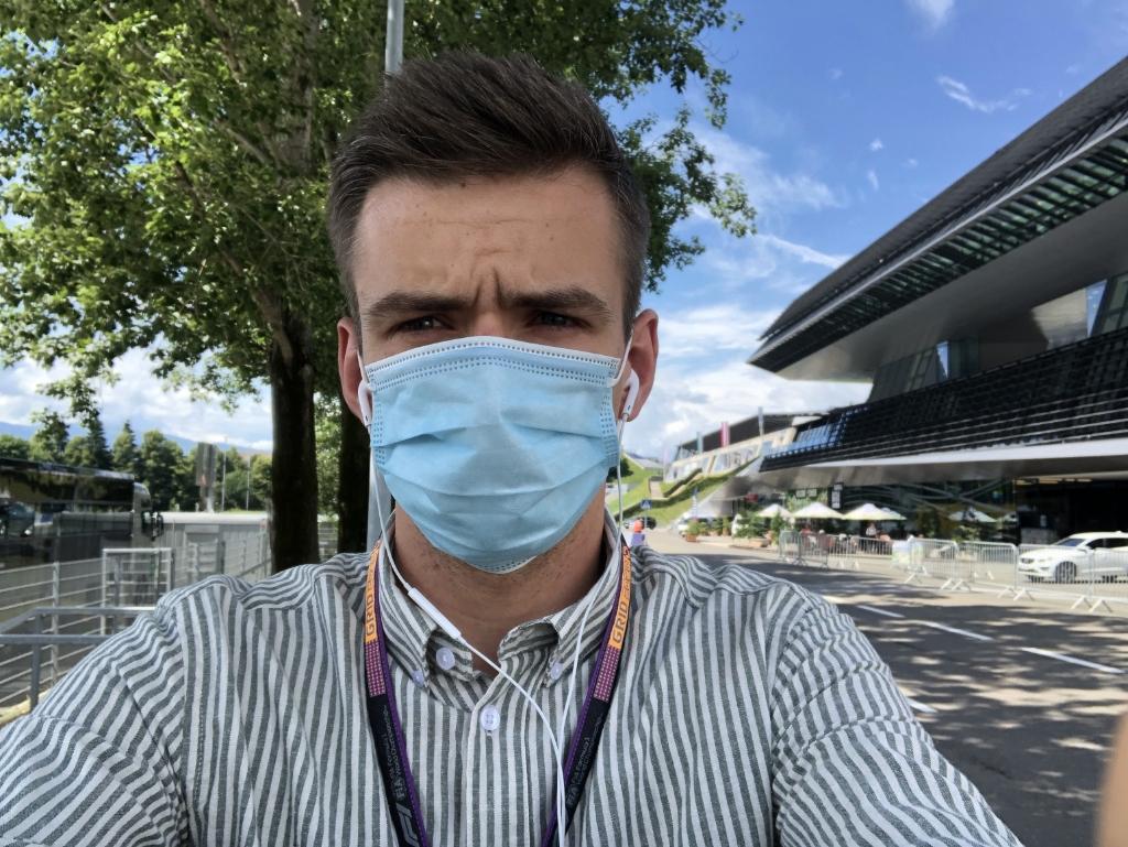 Erik van Haren, met mondkapje tijdens de grand prix van Oostenrijk. Erik van Haren © BDU media