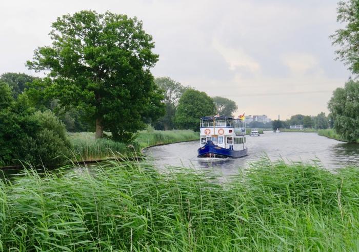 """Fietsboot """"de Eemlijn"""" vaart gelukkig weer"""