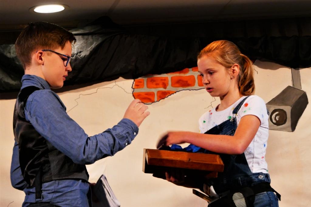 Kinderen van de Da Costaschool oefenen voor de traditionele voorstelling. Martin Huizenga © BDU media