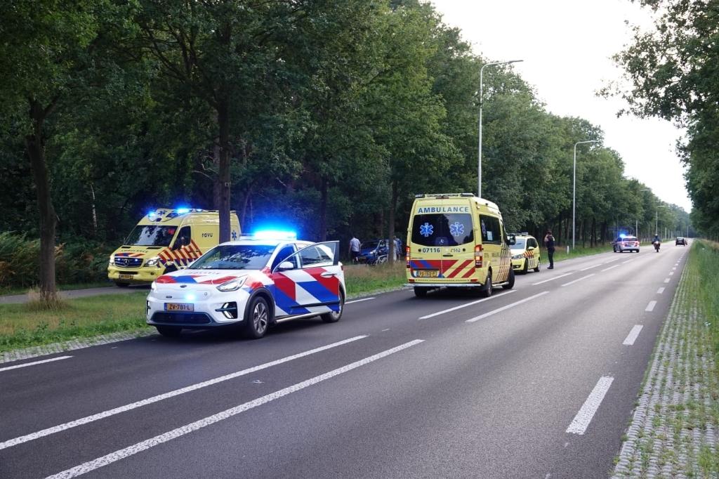 Bij een aanrijding zaterdagavond op de Utrechtseweg (N224) tussen Renswoude en Scherpenzeel is een wielrenster zwaargewond geraakt. Aber Media © BDU media