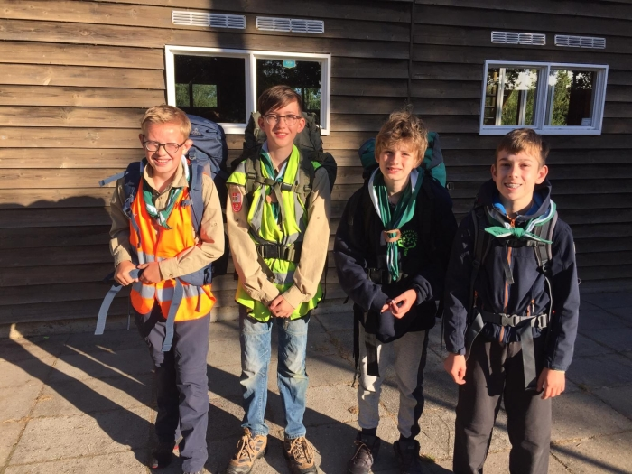 Mats, Thomas, Youp en David klaar voor de hike.