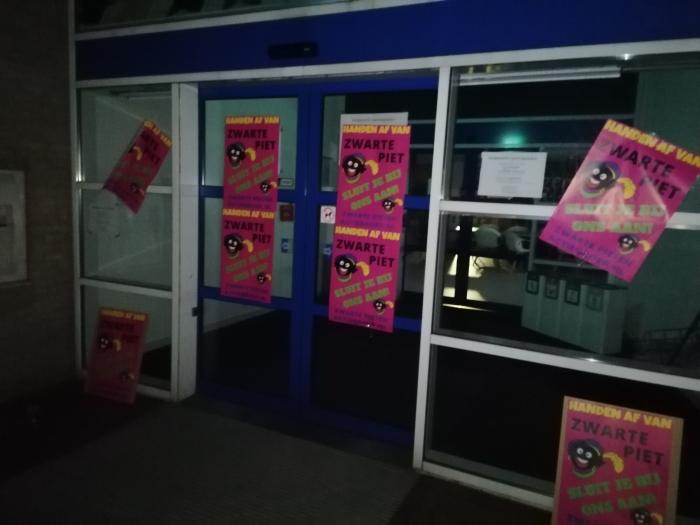 Posters gemeente Baarn  Zwarte Pieten Actiegroep  © BDU media