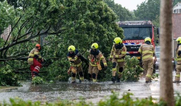 Buurgemeente Barneveld kreeg te maken met zware bui met regen, windstoten, hagel en onweer.
