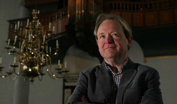 <p>Arjen Leistra verzorgt het slotconcert in de Grote Kerk.</p>