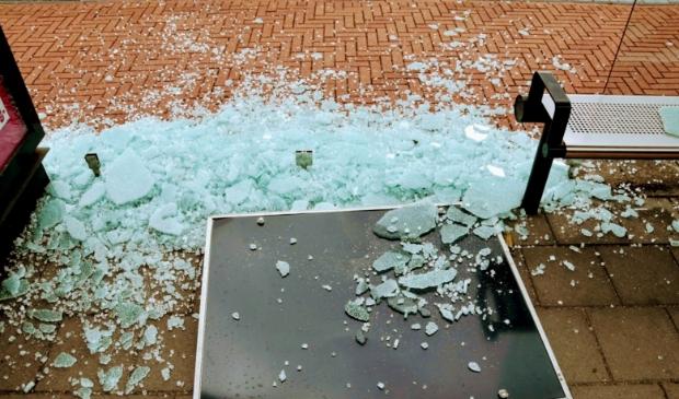 Fietsers moeten uitkijken voor het glas. Joop Touw © BDU media