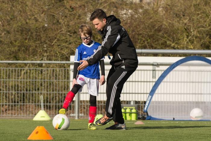 Train onder leiding van professionele trainers bij De Voetbalschool