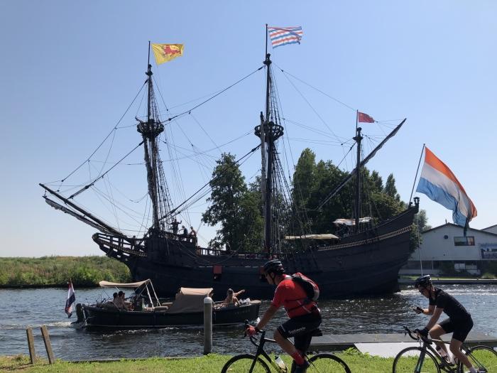 Tall ship in de Ringvaart