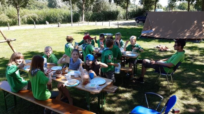Welpen aan het ontbijt Scouting Katimavik © BDU media