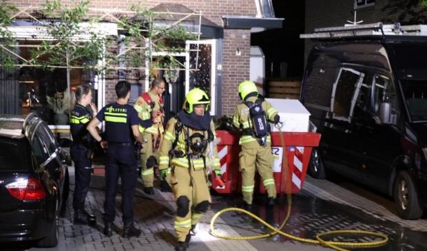 <p>De inhoud van een container bij een woning aan de Van Zuijlen van Nieveltlaan stond woensdagnacht in brand. Vermoedelijk was het vuur aangestoken.</p>