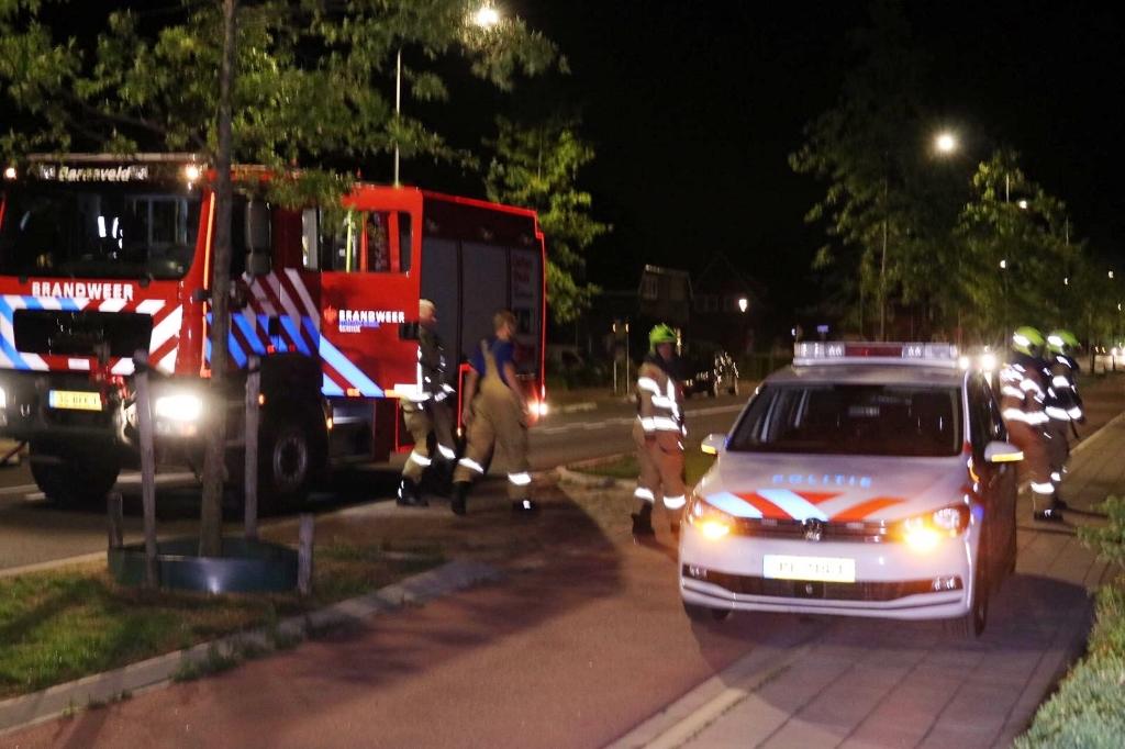De inhoud van een container bij een woning aan de Van Zuijlen van Nieveltlaan stond woensdagnacht in brand. Vermoedelijk was het vuur aangestoken. AberMedia © BDU media