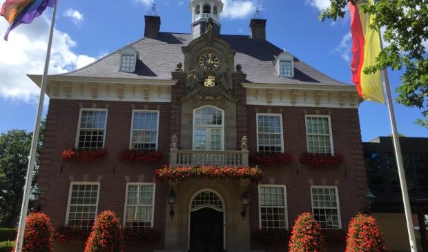 De herdenking vindt plaats bij het Raadhuis.