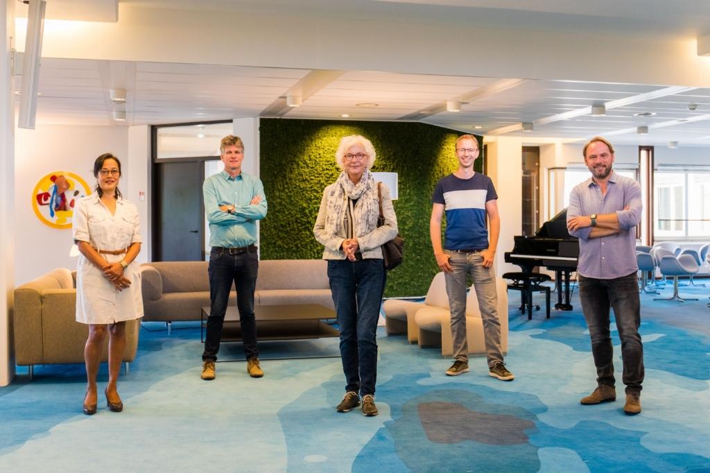 De vijf leden van de Mediaraad; Arlette Dwarkasing, Piet de Blaauw, Monda Heshusius, Mark Boukes en Meindert Schut. <p>(Foto Igor Roelofsen, www.twijcer.nl)</p> © BDU media