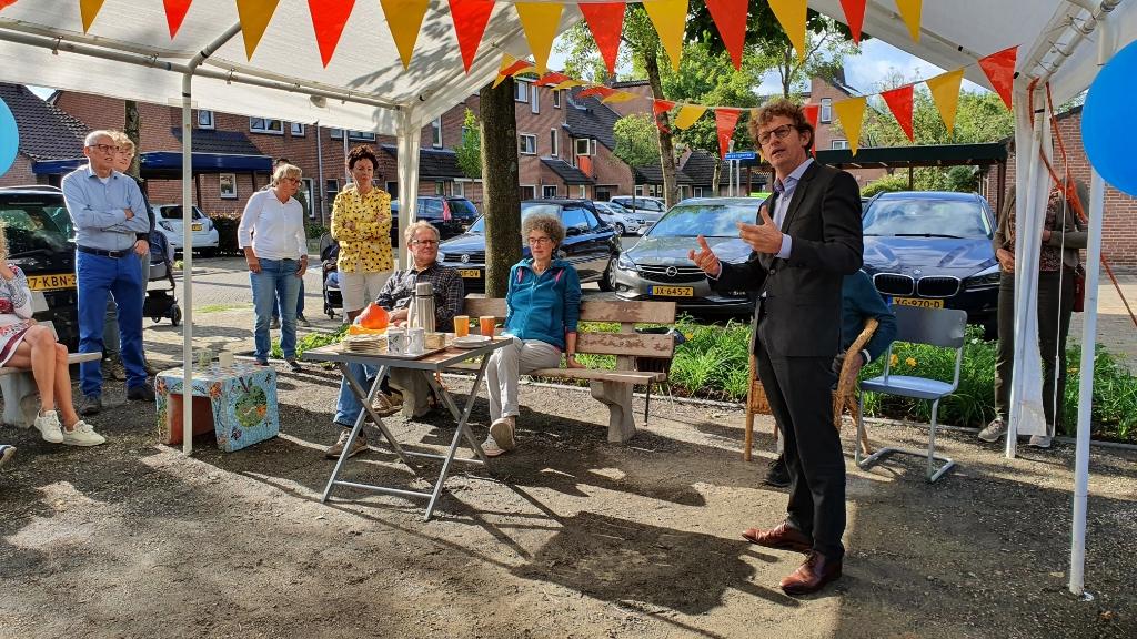 <p>Wethouder Jan Overweg spreek van een mooi initiatief en hoopt dat het hier niet bij blijft.</p> Irene van Valen © BDU media