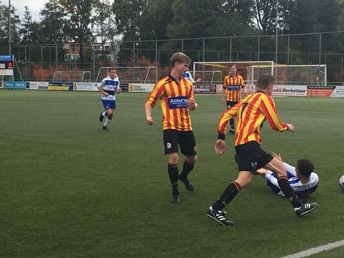 Sporting Martinus in actie tijdens de voorbereiding op het nieuwe seizoen Alex van Elven © BDU media