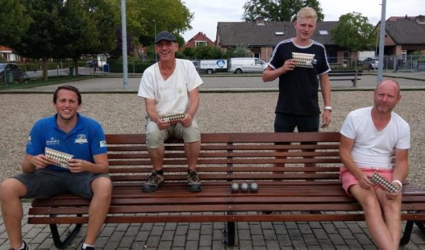 <p>Kampioenen Kylian Los en Ben Kort en finalisten Menno Korlaar en Timo Korlaar. </p>