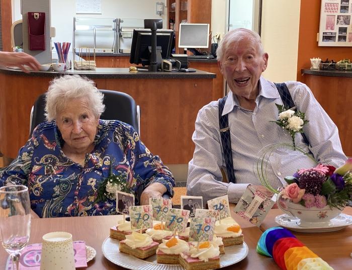 Echtpaar Bouma-Moll 70 jaar getrouwd.