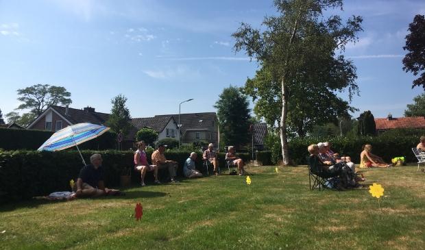Kerkelijke picknick Emmaüskerk zondag in een zonnig Barneveld.