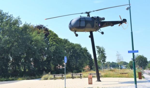 Deze plek waar de Alouette staat is favoriet bij het comité voor plaatsing van het monument ter herinnering aan de Amerikaanse aanwezigheid in het dorp.
