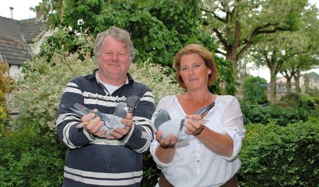 <p>Anneke en Pierre Faes de winnaars in Chateaudun.</p>