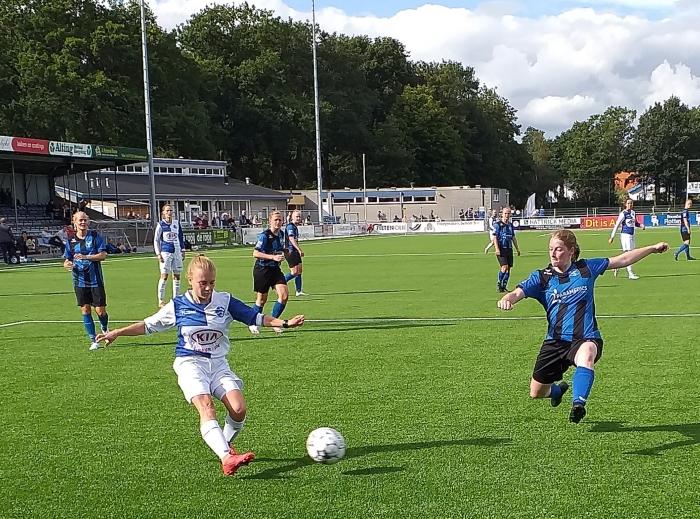 Sofie Houba scoorde ook twee keer. DTS Ede © BDU Media