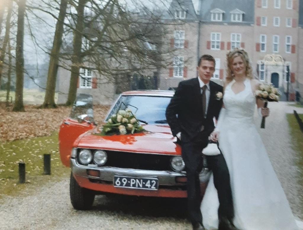 <p>Oedie Steenbeek stapte op 19 maart 2009 in het huwelijksbootje met Aart van de Heg.&nbsp;</p> Steenbeek © BDU media