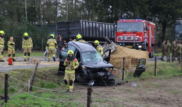 Ernstig Ongeval Auto Met Aanhanger En Vrachtwagen In Harskamp Barneveldse Krant Nieuws Uit De Regio Barneveld