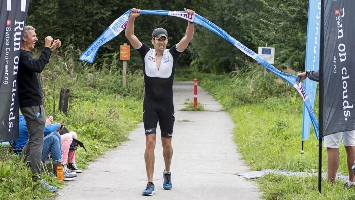 Finsh Hele triathlon Leon van Hamersveld