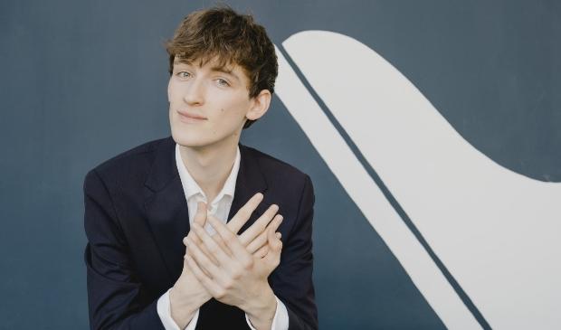 <p>Pianist Se&aacute;n Morgan Rooney treedt zondag op in de Kruiskerk Amstelveen.</p>