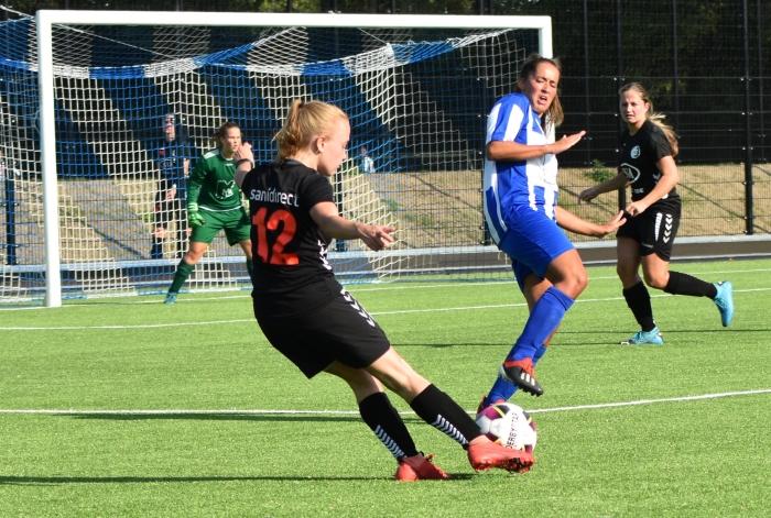 Sofie Houba scoorde het derde doelpunt DTS Ede © BDU Media